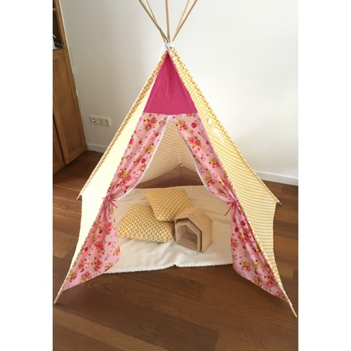 Tipi tent wigwam poppy birds roze triangel driehoek oker wit